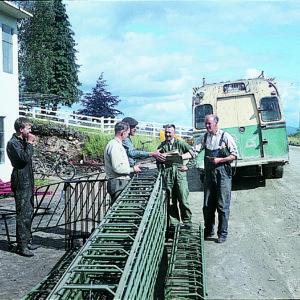 Midthaug på begynelsen av 60-tallet. Kleive Auto sørget for transport av varer til Molde Sentrum hvor de ble sendt videre med båt og bil.