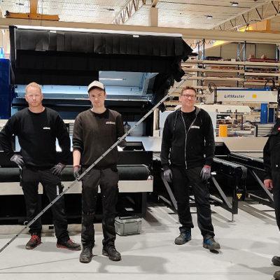 Opperatørene på plate og profillaser maskiner: Tarjei Heggem, Jan Egil Brattbakk (leder maskinell produksjon). Christoffer Larsen, Kim Sagli og Kjetil Aasen.